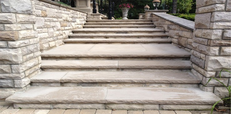 3-natural stone steps with wall